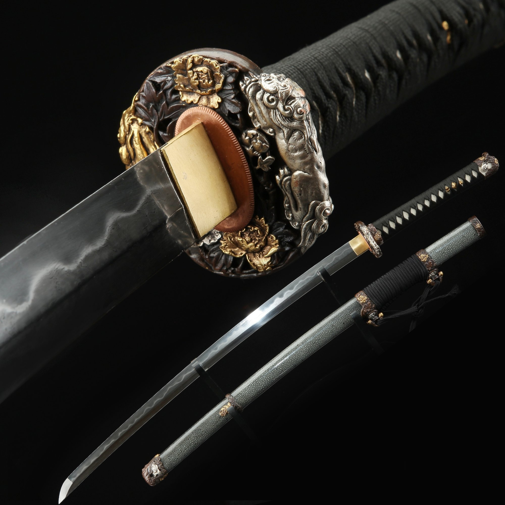 Japanese Tachi Odachi Sword With T10 Folded Clay Tempered Steel With Gray Scabbard
